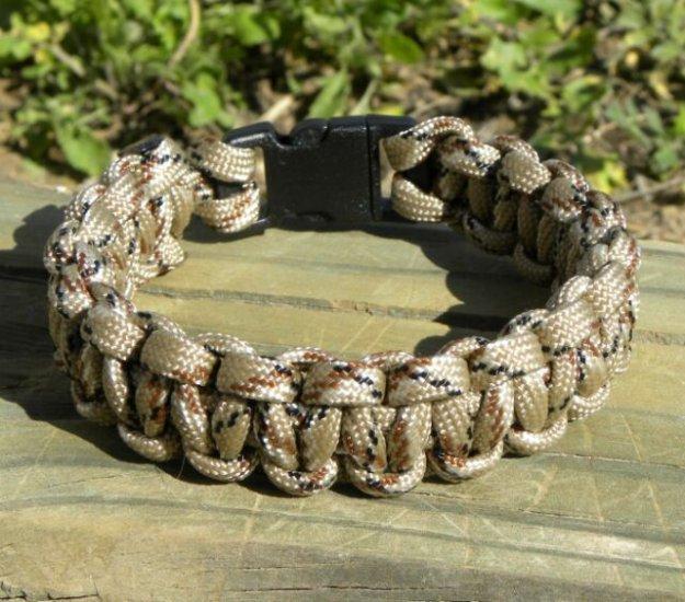 8 Inch Desert Camo Paracord Bracelet