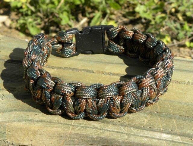 9 Inch Woodland Camo (BDU) Paracord Bracelet
