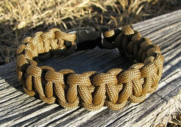 9 Inch Coyote Brown Paracord Bracelet
