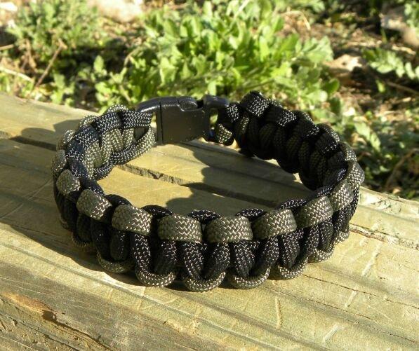 9 Inch Black & Olive Drab Paracord Bracelet