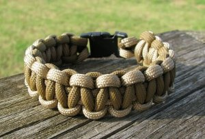 7 Inch Desert Tan & Coyote Brown Paracord Bracelet
