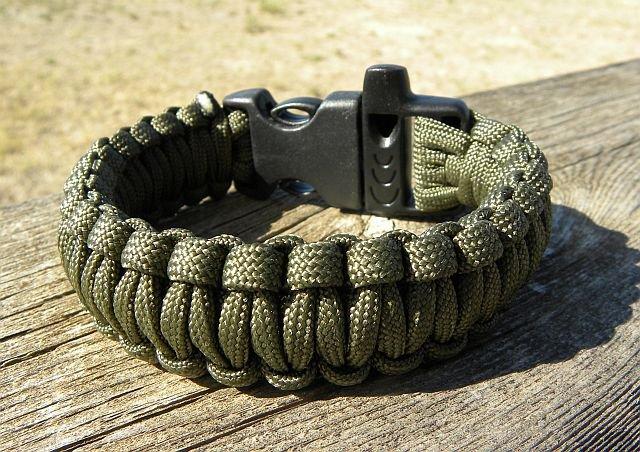 9 Inch King Cobra Olive Drab Paracord Bracelet
