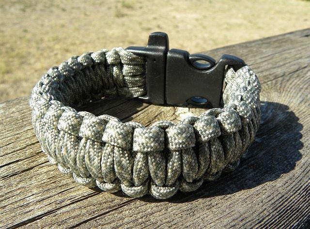 9 Inch King Cobra ACU/ABU Paracord Bracelet