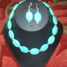 Chunky oval Turquoise necklace with earrings.