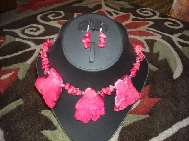 CHUNKY PINK TURQUOISE NECKLACE