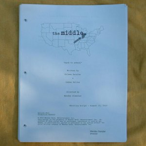 """THE MIDDLE"" TV Show Script 44 Pages Patricia Heaton 2010-11 Season"