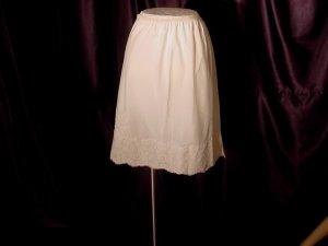 Wondermaid half slip large polyester dacron nylon vintage slip