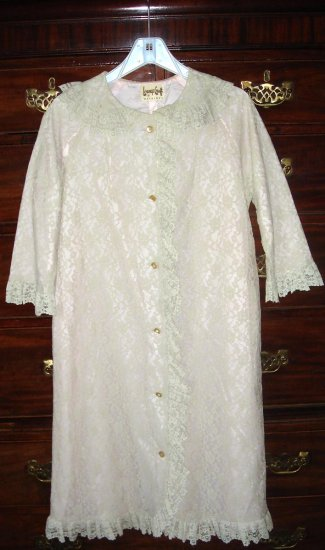 VINTAGE LACE & SILK LOUNGE HOUSE COAT