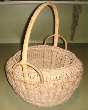 OUTSTANDING LARGE VINTAGE WICKER BASKET, FANCY HANDLE