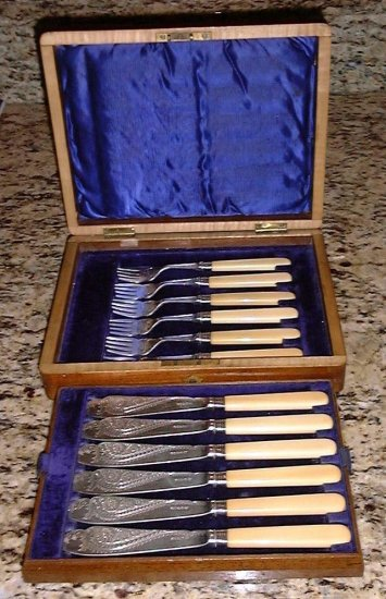 Elaborately Engraved Silver 12 Pc Fish Set Wood Boxed England
