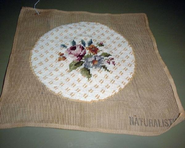 NEEDLEPOINT ROSES-ROUND, READY TO MAKE PROJECT
