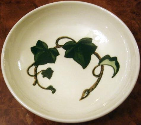 Poppytrail pattern California Ivy by Metlox 7 in Coupe Soup Bowl