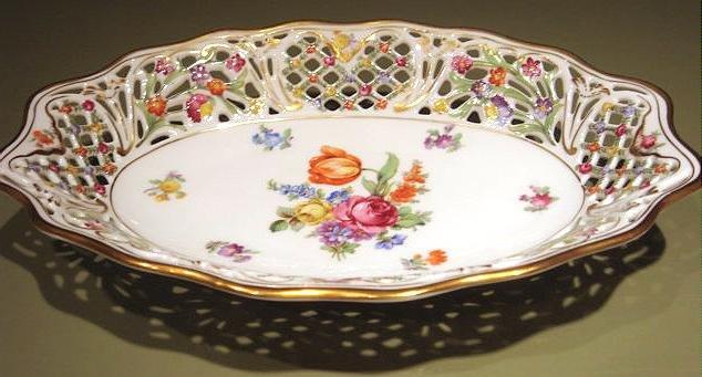 Schumann Dresden Flowers CHATEAU Pierced Oval Bowl Bavaria Germany US Zone