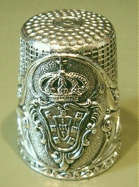Exquisite  Vintage Silver Thimble #11 Crown and Shield
