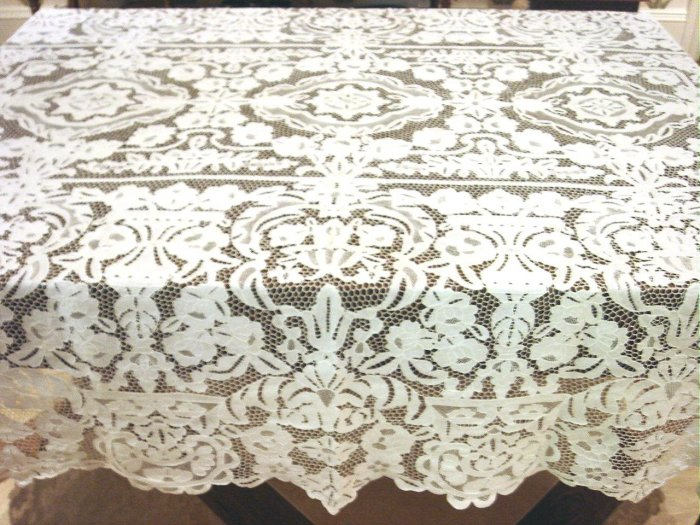 Outstanding Vintage HANDMADE ALL Needlepoint Lace Tablecloth, Cloth #98