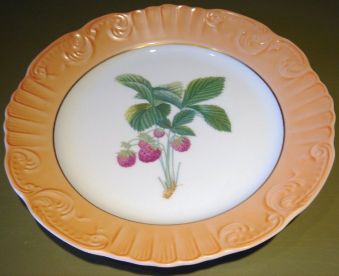 "RARE Summer Fruits STRAWBERRIES 10"" DINNER Plate Mottahedeh Portugal"