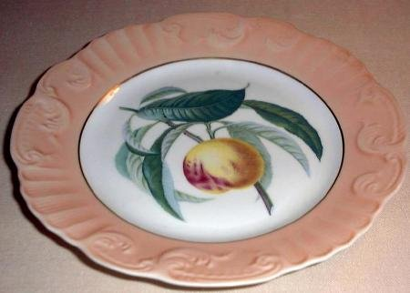 "RARE Summer Fruits PEACH 10"" DINNER Plate Mottahedeh Portugal"