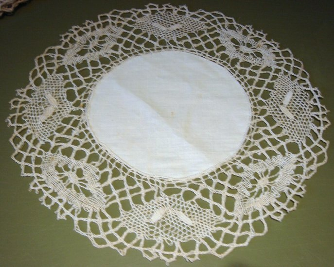 Early 20C Linen & Hand Made Cluny Lace Doily, Tray Cloth, Place Mat