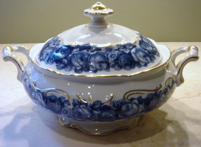Schumann Bavaria HEIRLOOM Round Covered Vegetable Bowl Blue & White Transferware