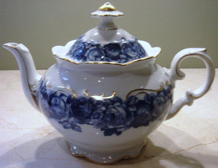 Schumann Bavaria HEIRLOOM Teapot with Lid Blue & White Transferware