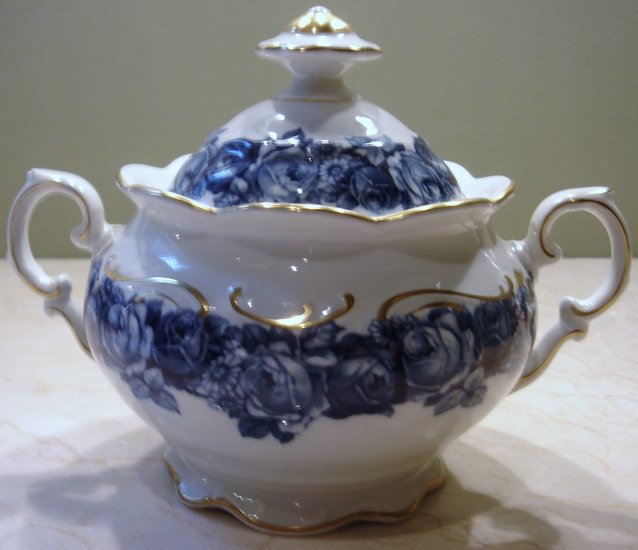 Schumann Bavaria HEIRLOOM Sugar Bowl with Lid Blue & White Roses Transferware