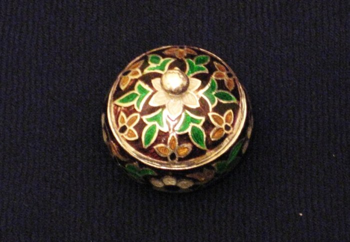 MN267 Hand Painted Sterling Silver Enameled Ring Box