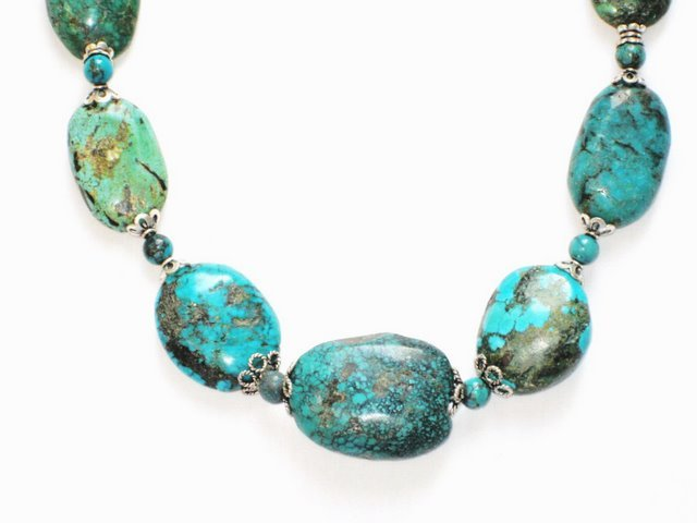 TQ040       Turquoise Necklace