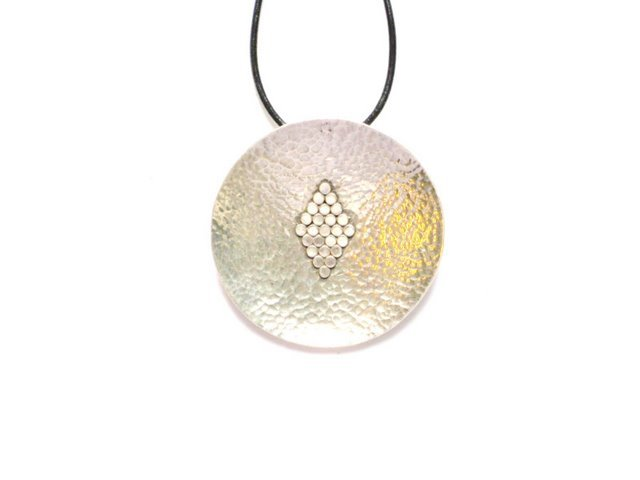AQ008       Round Hammered Sterling Silver Pendant with Rhombus Inset
