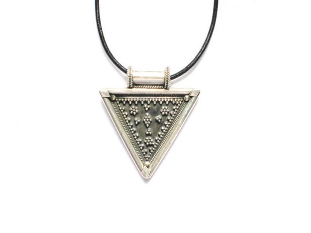 AQ014       Triangle Sterling Silver Pendant