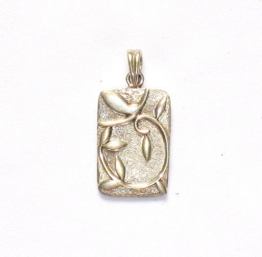 AQ017       Rectangle Sterling Silver Pendant w/ Leaves