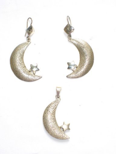AQ021       Moon and Stars Pendant and EarRings