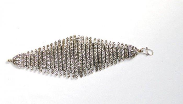 AQ026       Bracelet in Sterling Silver