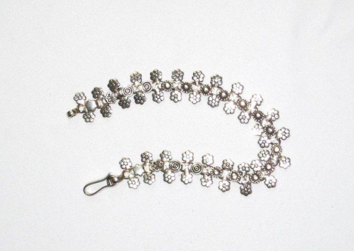 AQ048       Bracelet in Sterling Silver