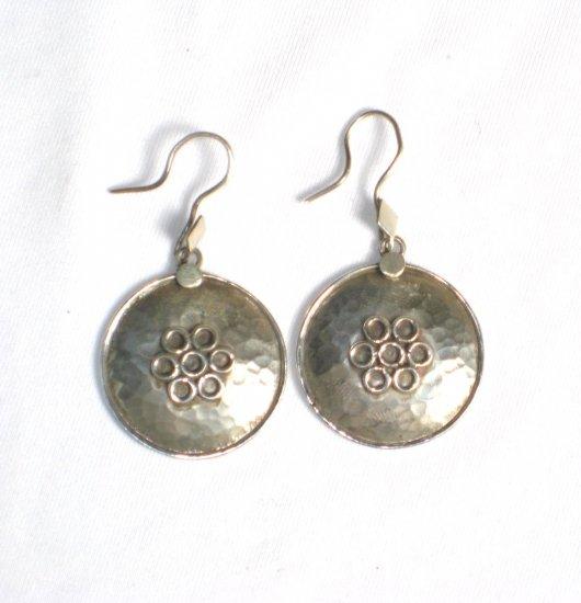 AQ058      Earrings in Sterling Silver