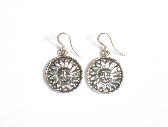 AQ060      Earrings in Sterling Silver