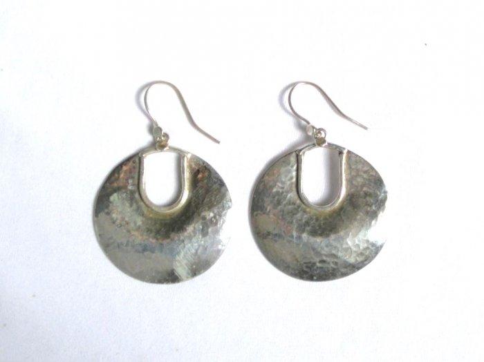 AQ072     Earrings in Sterling Silver