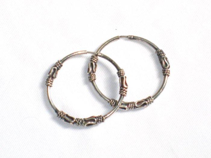 AQ076     Earrings in Sterling Silver