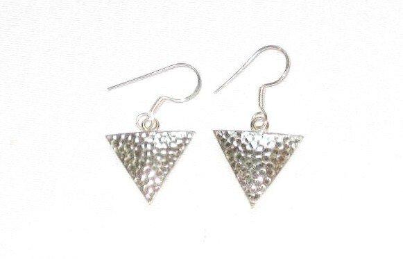 AQ096    Earrrings in Sterling Silver