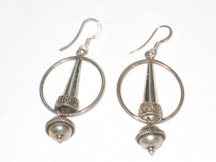 AQ097    Earrrings in Sterling Silver
