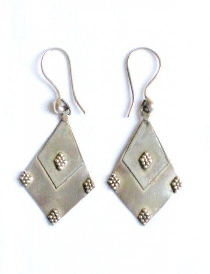 AQ099   Earrrings in Sterling Silver