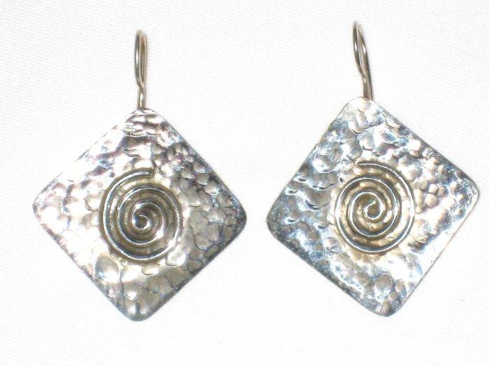 AQ103   Earrrings in Sterling Silver