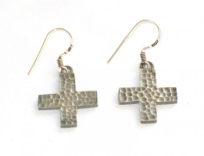 AQ124    Cross Earrrings in Sterling Silver
