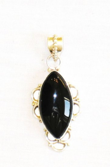 PN343 Onyx Pendant in Sterling Silver