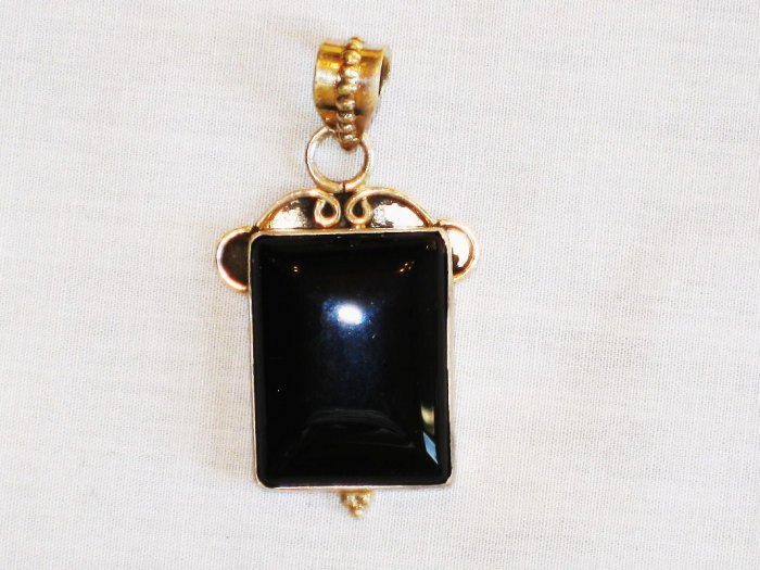 PN345 Onyx Pendant in Sterling Silver