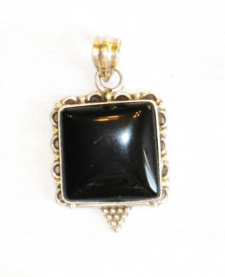 PN349 Onyx Pendant in Sterling Silver