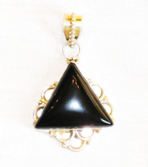 PN352 Onyx Pendant in Sterling Silver