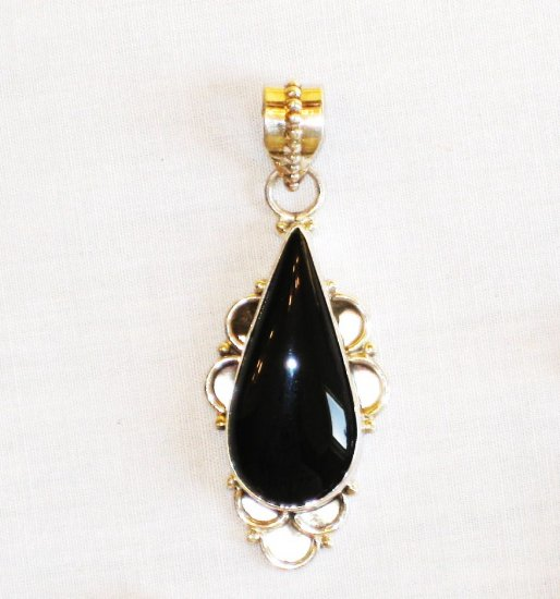 PN353 Onyx Pendant in Sterling Silver