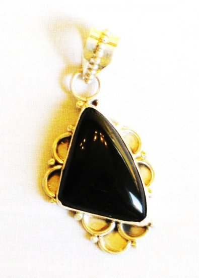 PN355 Onyx Pendant in Sterling Silver