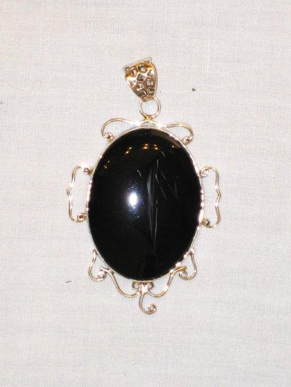 PN392 Onyx Pendant in Sterling Silver