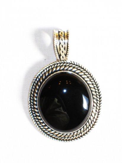 PN304 Onyx Pendant in Sterling Silver